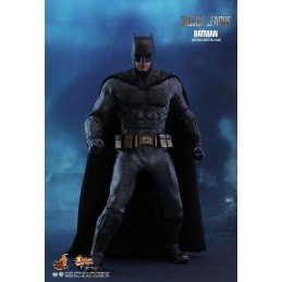 Justice League Batman 1/6...